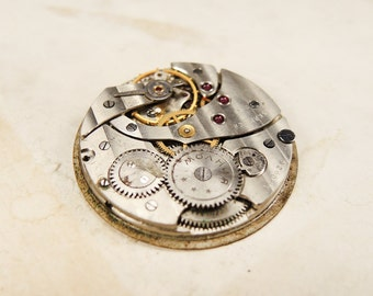 Old pocket watch movement - c53
