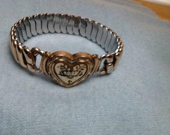 Stretch Heart Gold Tone Bracelet