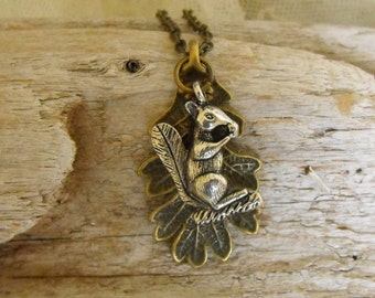 Oak Leaf Necklace, Squirrel Necklace,Fall Jewelry, Autumn, Antique Brass, Nature Lovers, Woodland, Rustic,