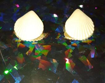 she sells sea shells:  vintage earrings for mermaids