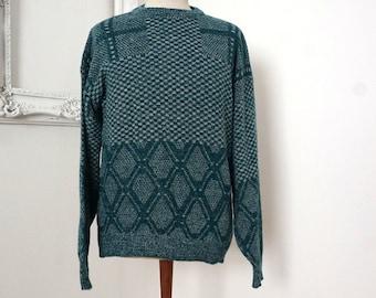 Dark Green and White Vintage Acrylic Sweater Sz Medium