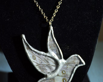 FREE SHIPPING   Real Butterfly Wings Encased in Hand Cut Glass Bird Pendant Necklace