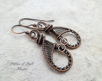 Wire wrapped earrings / teardrop solid copper earrings / wire wrapped jewelry handmade / woven wire jewelry / earthy antiqued copper jewelry