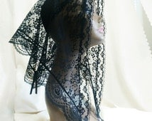 Lace Mantilla, Catholic Head Covering, Triangle Chapel Scarf, Black Funeral Sanctuary Mourning Accessory, Reduced international Shipping