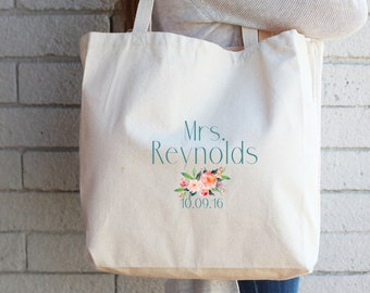 Custom Bridal Tote Bag - Gift for Bride-to-Be Engagement Gift Honeymoon Beach Bag Wedding Tote Personalized Tote Bridal Shower Gift Canvas