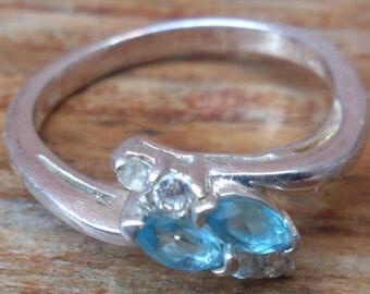 vintage sterling silver blue stone ring