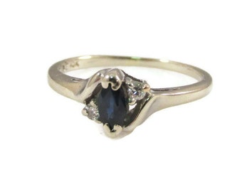 Deep Blue Sapphire and 10k White Gold Ring - Size 5.5