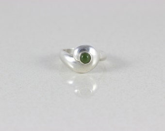 Sterling Silver Green Jade Ring size 8 1/4