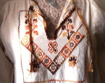 HIPPIE TUNIC, Shirt, Tunic, Kurta Styling, 100% Cotton, Tassel Ties, HAND EmBroiDery, Ethnic, Jordan, Boho, Hippie, Size P