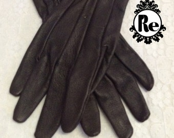 Vintage Ladies Gloves Dark Brown Stitched Leather Gloves W.B Place & Co. Made in USA Age: 1980's No. 94
