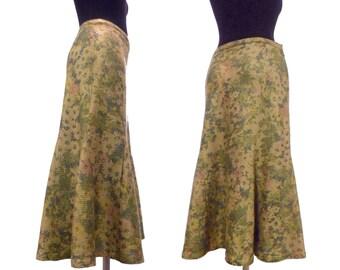 Wool printed skirt in medium brown color. 1970s. 70er 70's