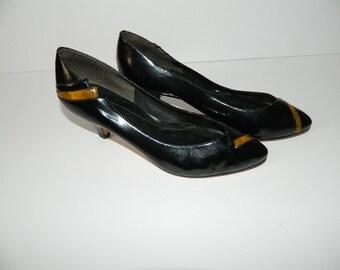 Retro 1980s Black Patent Leather Kitten Heel Pumps Ladies U.S. Size 7 Made in Brazil
