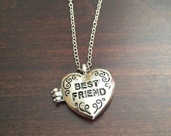 Best Friend Locket, Best Friend Necklace, Best Friend Jewelry, BFF Jewelry, BFF Necklace, Friendship Necklace, Friendship Jewelry, Heart
