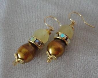 Chrisoberryl Gold Fresh Water Pearl Earrings****.