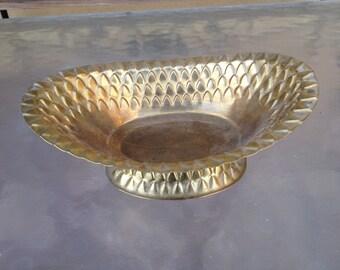 Brass footed bowl, Brass Footwd Basket, Brass Serving Bowl, Brass Home Decor, Vintage Brass Bowl, Hammered Brass Bowl, oval brass bowl