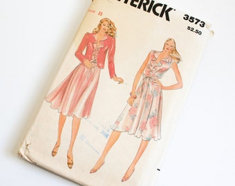 SIZE 14 16 18 3573 BUTTERICK Women's Sewing Pattern 1980s Vintage Dress and Jacket Misses Womens V Neck Flounce Unlined Coat Eighties