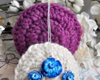 Blue jewellery set, clay necklace, clay pendant, clay earrings, flower earrings, blue flower pendant, blue necklace, handmade jewelry