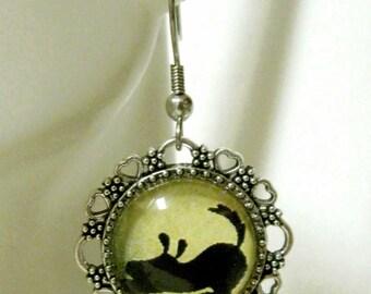 Playful black dog silhouette earrings - DAP07-162