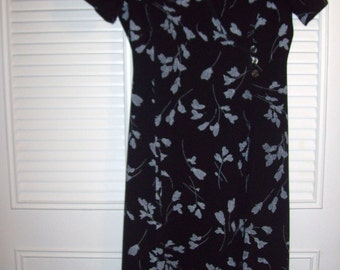 Vintage Classic  Prairie Maxi Preppy Wrap Dress - Sought After Career Dress Size 8 -  10