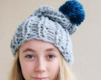 Very thick yarn, thick , mega hat ,wool,pure chunky hat , very soft, grey hat, emerald pompom