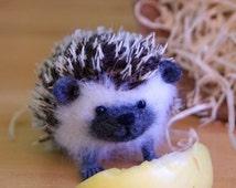 Hedgehog - Needle felted sculpture - Wool animal kids - Handmade Felt Wool Little - Animal Figure -  Miniature Wool - Free shipping