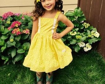 Girls Yellow dot Dress, Little Girls Ruffle Dress,Thanksgiving baby Dress,Toddler fall dress, Flower Girls Dress, Birthday Girls Dress.