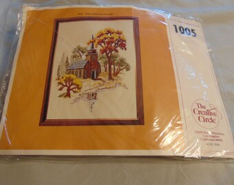"Vintage Creative Circle Crewel Kit ""The Little Church by the Lake"" #1005  Crafts Embroidery"