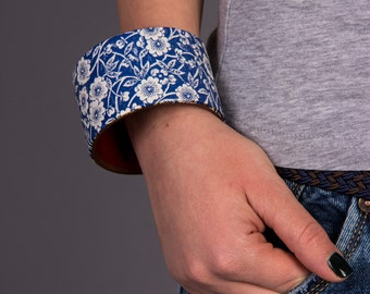 Capri blue bracelet Blue bangles jewellery Blue jewelry gifts Wooden bracelet Wooden jewellery Cuff bracelet Boho bracelets Bangle bracelets