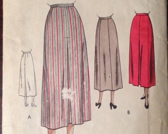 Vogue 6507 - 1940s Skirt with Inverted Pleats and Panel Back Option - Size 34 Waist 43 Hip