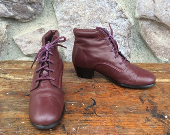 Vintage 80s-90s Tic Tac Toes Oxblood Tic Tac Toes Leather Ankle Boots / Lace Up Booties / Women's Size 6 Medium