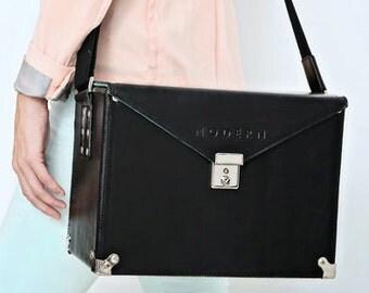 The MODERN Hard Case Camera Bag