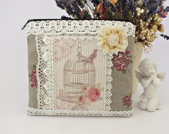 Cosmetic bag Zipper pouch Beauty bag floral Linen cosmetic bag Linen makeup bag Toiletry bag Sister gift Linen and lace Christmas gifts