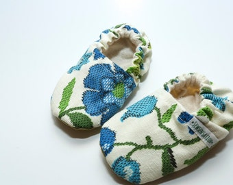 Floral flexible sole shoes - faux leather soles - crib shoes - booties - moccasins - lime green