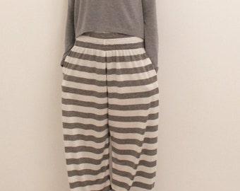 Loungewear, sleepwear, wide leg pajama, women pyjamas, women pajamas, loose fitting pajama, modern loungewear, striped pajama, grey pyijama