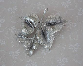 Vintage EXQUISITE Brooch - Silver Tone Leaf Brooch - Vintage Foliate Pin - Exquisite Leaf Pin