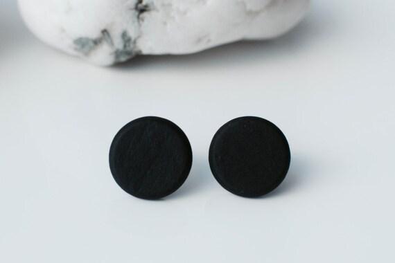 flat black earrings for men - photo #10