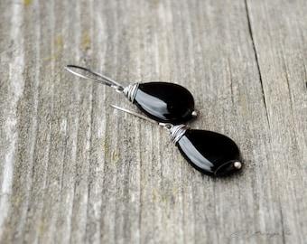 Agate drop earrings, Minimal earrings, Silver, Wire wrapped earrings, Black agate earrings, Dangle earrings, Artisan earrings, Black drops