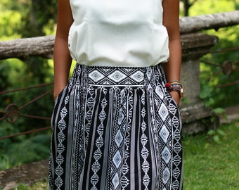 Chevron Skirt Black and White / Midi Skirt for Women / Elastic Waist Skirt