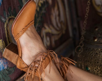 HERMOSA. Tan leather heel shoes / women shoes / high heels / leather shoes / fringe shoes / boho. Sizes 35-43. Available in different colors
