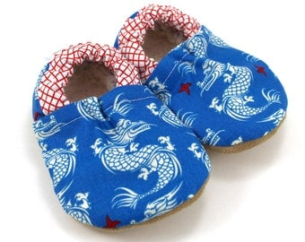 dragon baby shoes, dragon booties, soft sole shoes, toddler boy slippers, dragon slippers, blue and red, baby shoes with dragons, boy shoes