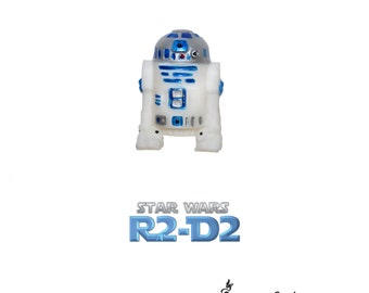 R2D2 3D Pin Brooch - STAR WARS Droid Pin ~ geeky chic girl ~ Star Wars fan