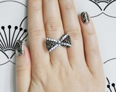 Fahtephur. Short Fake Nails, Geometric, Silver and Black, False Nails, Press On Nail, India Inspired, Boho, Press On Nails