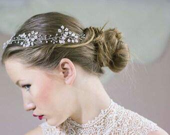 Bridal Pearl Hair Vine,Bridal Flower Halo,Bridal Flower Hair Vine,Boho Bridal Headpiece,Bridal Pearl Wreath,Pearl Wedding Halo,Boho Wreath