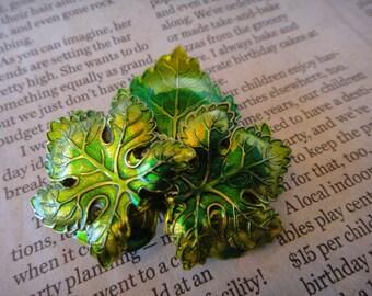 Beautiful Vintage Brooch Pin Pendant Green Leaf Leaves