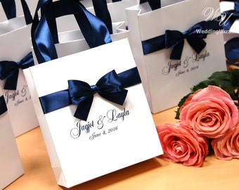 Navy Wedding Gift Bags with satin ribbon, bow and names - Elegant Personalized Paper Bag - Custom Wedding Gift bags