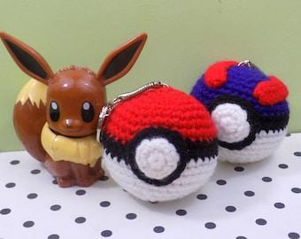 Superball and Pokeball keychain. Handmade in amigurumi crochet | Geek gift