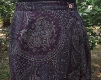 Vintage WRAP SKIRT, WOOL Midi, Dark Purple Paisley gray print, Retro high-waist, pencil skirt, 80s 90s boho dressy secretary, Fall/Winter, M