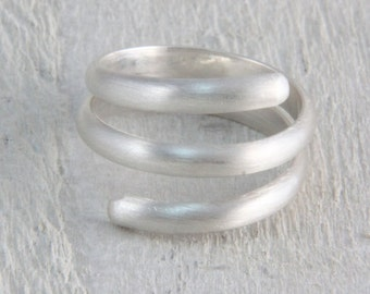 Spiral silver ring, Contemporary sterling silver ring, gift for her