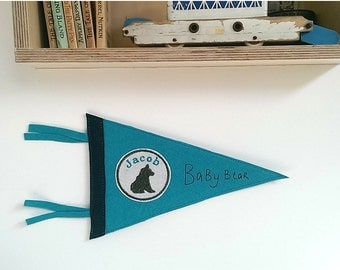 Personalised Wool Felt Pennant Flag/Custom Pennant Flag/Wallhanging/New Baby Gift/Nursery Decor/Kids Room Decor/Bear
