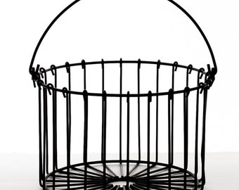 WIRE BASKET. EGG Basket. Wire Basket. Baskets. Wire Egg Basket. Vintage Wire Basket. Vintage Wire Egg Basket. Vintage Egg Basket.